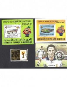 Lote temático. Tema fútbol. Tres hojitas y sello en usado varios países Sellos.